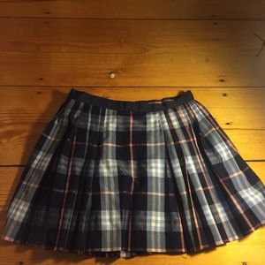 URBAN OUTFITTERS PLEATED PLAID MINISKIRT